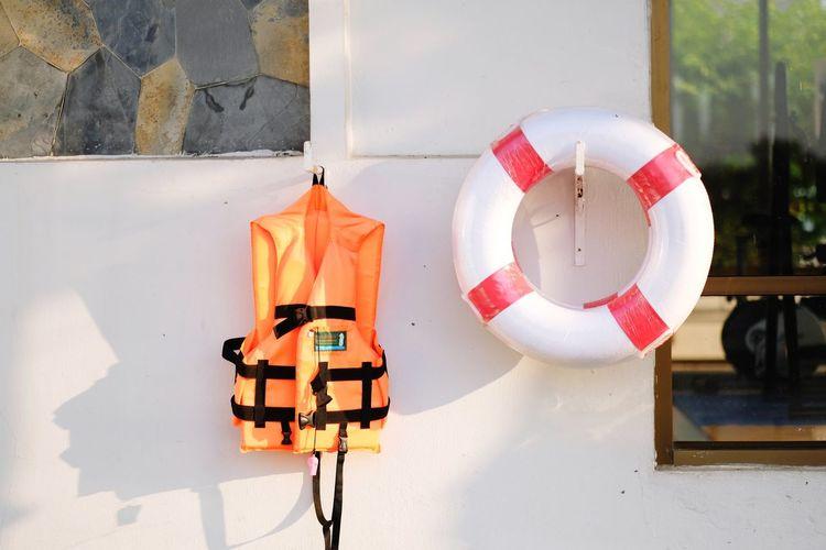 life jecket Lifejacket Lifering Orange Color Best EyeEm Shot EyeEm Selects EyeEm Gallery EyeEmBestPics Lake Lifeguard  Drowning Donut Water Lifeguard  Day No People Red Outdoors