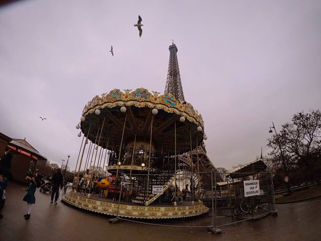 Built Structure Carousel Paris France 🇫🇷 France Sky Architecture Outdoors Low Angle View Nature Relaxing Me #smile #girl *home Happy :) Lifestyles Peace Happiness Trip Photo Adventure Tourism Tour Eiffel Bday Celebration Regalo Di Compleanno Couple
