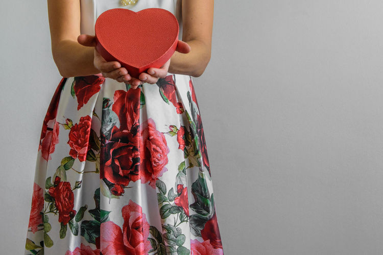 Box Copy Space Elégance Fashion Love Valentine's Day  Woman Clothing Front View Gift Giving Heart Shape Holding Indoors  Long Dress Love Marriage  Model One Person Passion Positive Emotion Real People Red Studio Shot Women The Fashion Photographer - 2018 EyeEm Awards