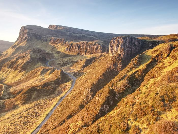Sunny quiraing mountains. hilly landscape of isle of skye, scottish highlands. breathtaking view