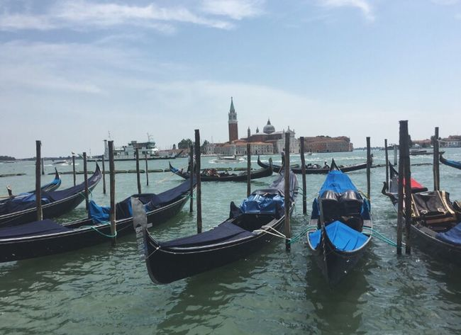 Venice, Italy Holiday Venice Venizia Gondola Italy Venice Gondola Taking Photos Italy❤️ Taking Photos Hello World Walking Around