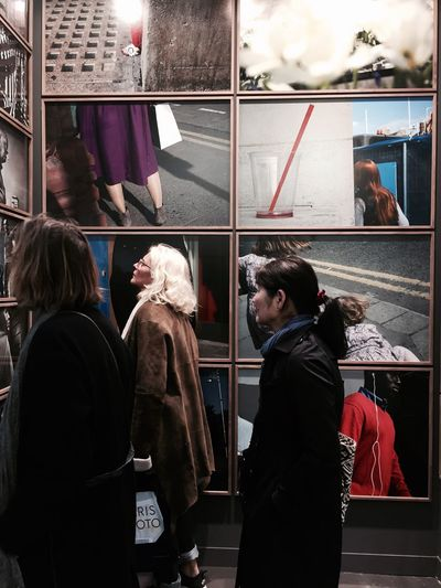 Lifestyles Film Industry Multi Colored Documentary EyeEm Best Shots Life In Colors Real People Paris Photo Exhibition Of The Week Photography Presse Documentary Photography Shootermag Colorful Portrait