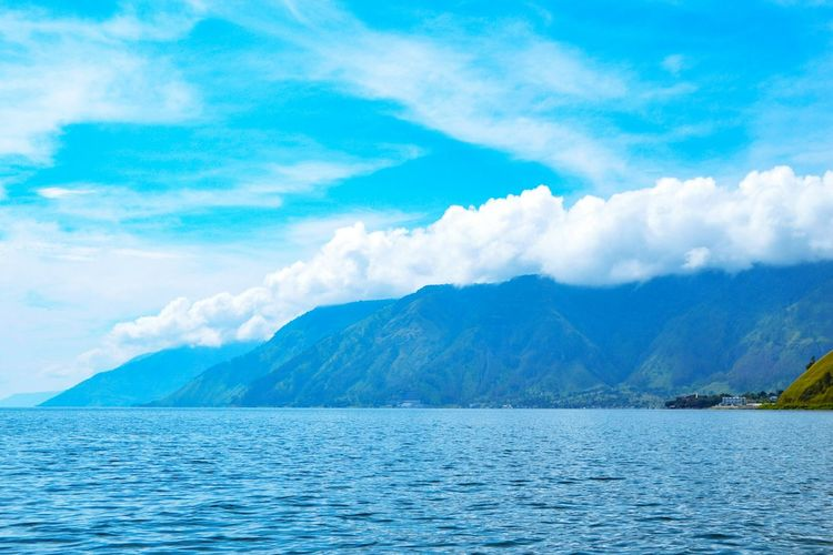 Lake Toba Nort Sumatera Indonesia Lake Toba Lake Toba Indonesia Clouds And Sky Clouds & Sky Waterfront Danau Toba Montains And Water  Montain Collection Mountain Water Blue Lake Sky Landscape Cloud - Sky