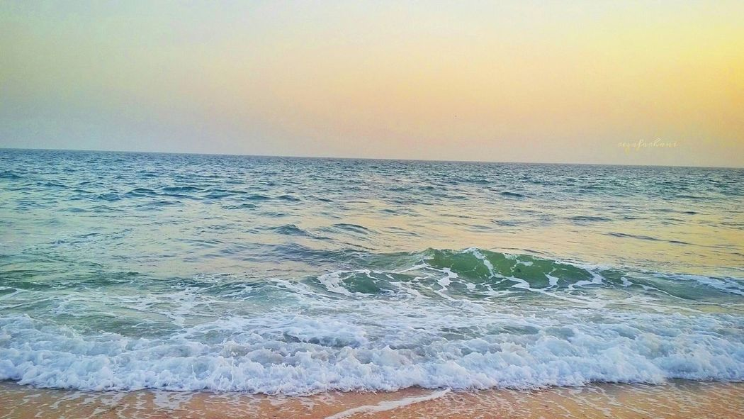 Sometimes you just have to go with the waves .... Sea Iran Chabahar CMU Beautiful Photography آسمان  Samsung Android زیبا Eyemphotography ایران GalaxyS5 گاهی_به_آسمان_نگاه_کن Photo_by_me Nice Day Sunset Beach Nature Follow EyeEm Friends Sky ابر آبی