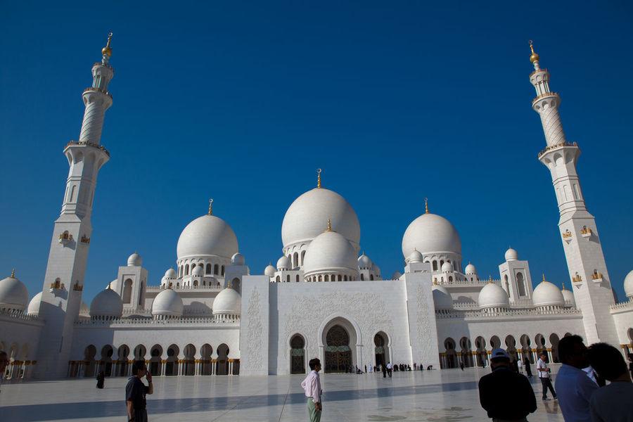 Abu Dhabi Abudhabi Architecture Culture Cultures Emirates Islam Islamic Islamic Architecture Minaret Mosque Muslims Muslim❤️ Religion Touristic Travel Zayed Zayedmosque