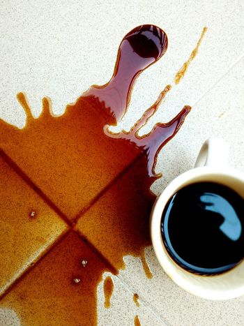 Coffee Time Splash Taking Photos Relaxing Macchia Taking Photos Colors EyeEm Gallery Living The Moment Eyemphotography Prospective Likeapaint Enjoying Life Manual Focus Eye4photography  Prospettiva Caffè Tazzina Photography Colour Of Life Coffee Brown