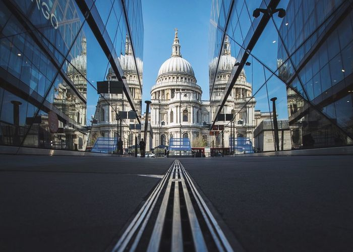 Sunday St Paul's Check This Out Taking Photos Check This Out Architecture London Urban Urbanphotography LONDON❤ City London_only Cathedral Church Blue