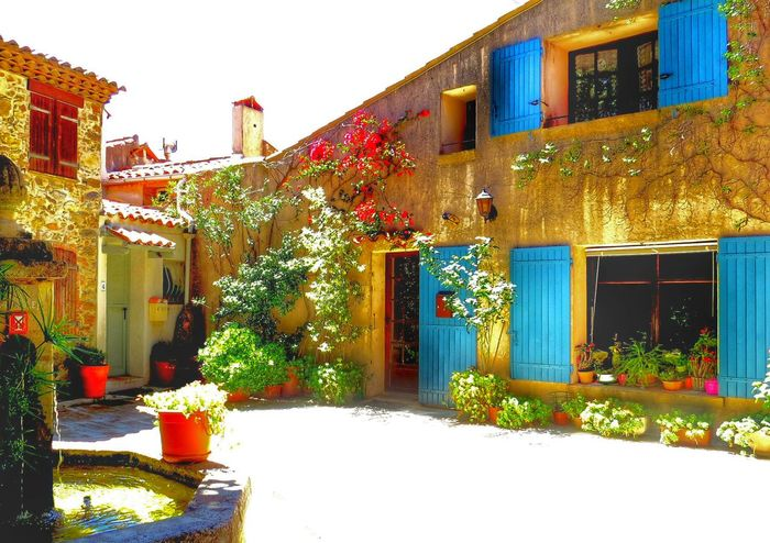 Aix En Provence Blue Shutters Courtyard House Courtyard View Eurostar Destinations Fountain France French Breaks French Village Holiday Midday Provence Tranquility