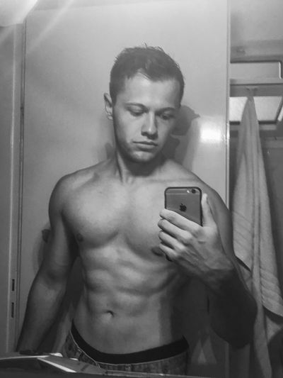 | YES, RIPPED MIRROR SELFIE Fitness Muscles Sixpack Abs Waist Up Shirtless Bodybuildingmotivation