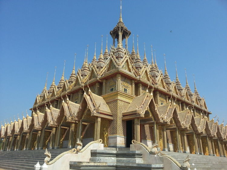 Architecture Building Exterior Built Structure Clear Sky Day Low Angle View No People Outdoors Place Of Worship Religion Sky Spirituality Temple Temple Architecture Templephotography Uthai Thani