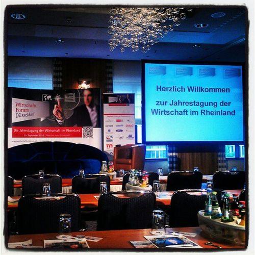 bin gespannt auf den heutigen Tag beim Wirtschafts Forum Düsseldorf #wfd2012 #wfd Wfd2012 Wfd