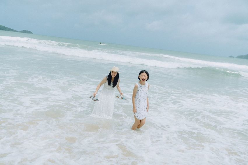 Sea Horizon Over Water Beach Nature Girls Sky Scenics Water Two People Friendship Beauty In Nature Real People Day