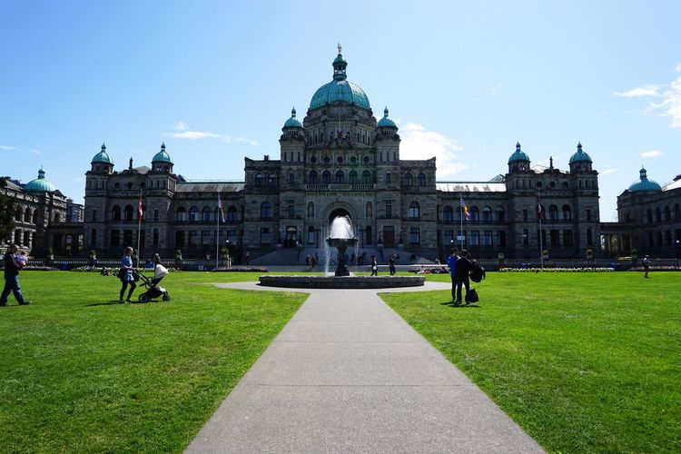2016 Architecture Canada Dome Grass Legislative Buildings People Politics Politics And Government Sky Travel Vancouver Victoria カナダ バンクーバー ビクトリア 州議事堂