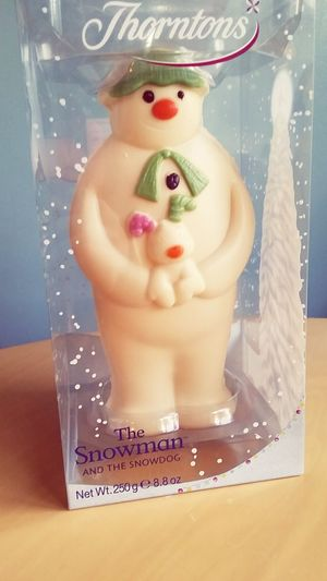 You know you have amazong friends when you cant eat the chocolate they bought you for Christmas I Love Lucy  Thorntons The Snowman And The Snowdog Frosty The Snowman Christmas Winter Presents Chocolate Sculpture Art