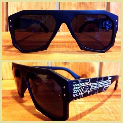 NEW ! VENOMIC ALL BLACK! Order to 08990125182 / 266761B8 ! Throne Sunglasses Summer