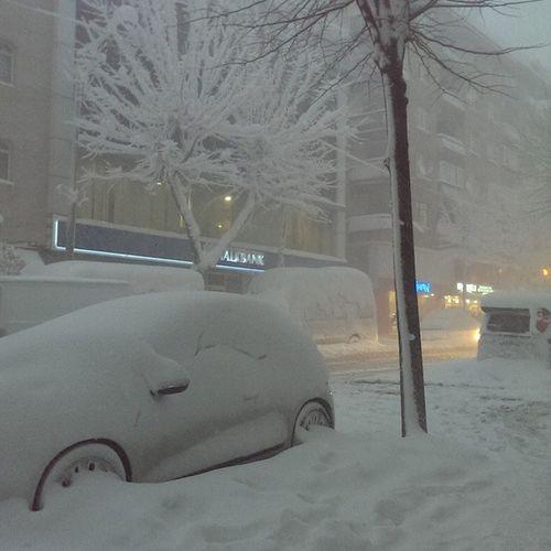 Avcılar-Beylikdüzü hattını görene kadar kar fena demeyin mahallenizde 😎 benim karım senin karını gömer, saat:17den