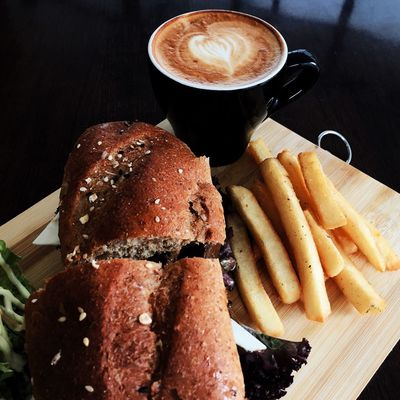 Suatu sore di jalan progo :) Cappucino Coffee Coffeetime Coffeelover Sandwich Time Sandwich Eye4photography  EyeEm Bandungcafe Bandung