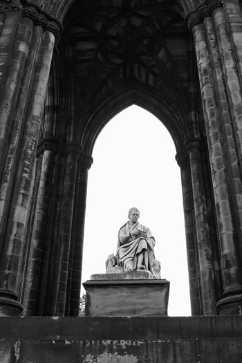 Bnw_friday_eyeemchallenge Edingburgh Scott Monument Statue Sculpture Low Angle View History Arch Human Representation Monument Architecture Travel Destinations Travel Photography Blackandwhite Photography Black & White Blackandwhitephotography Blackandwhite Black And White Rock - Object Cityscape Architectural Column Art And Craft Light And Shadow Ancient Civilization Traveling The World Outdoors Black And White Friday