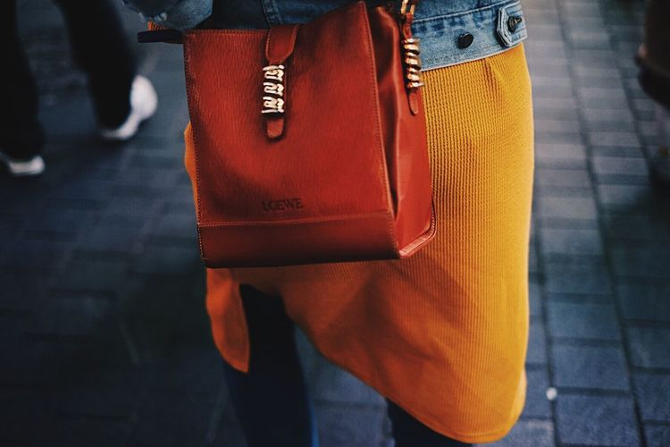 L O E W E Loewe Bag Snapshot Close-up Low Section Human Leg Walking Real People One Person Outdoors People Day Standing Vacations Person The Way Forward Lifestyles Casual Clothing
