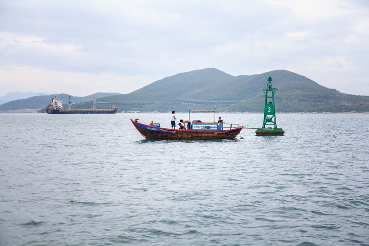 The Places I've Been Today Boat Fishingboat фотографвьетнам экскурсиинячанг Sea Vietnam Photoshoot Holiday Boattour