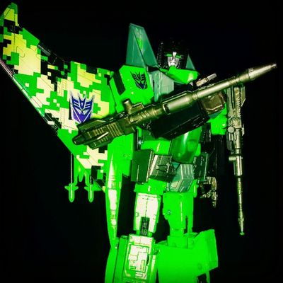 Feeling green...One of my favourite colour schemes ever Acidstorm Decepticons Masterpiece Stonedacons