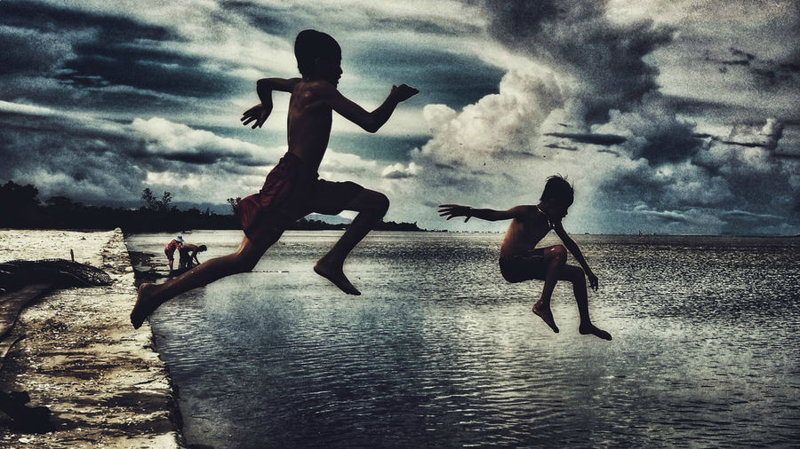 Boys Will Be Boys Summertime Jumping Freedom Free Culture Vietnam World Travel Art Leap Of Faith Ocean Fun Young And Free Childhood Ecstacy Loving Life! Fujifilm X-t20 ASIA