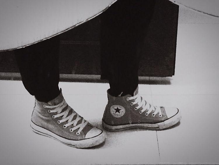 ✈ Poular Photos Black & White Converse Followme
