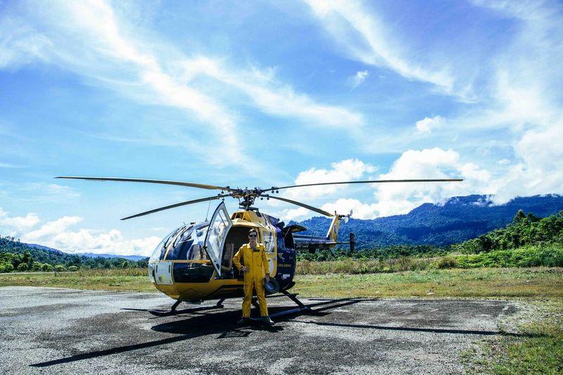 Simon Helicopter Pilot People Traveling Portrait Borneo Sarawak