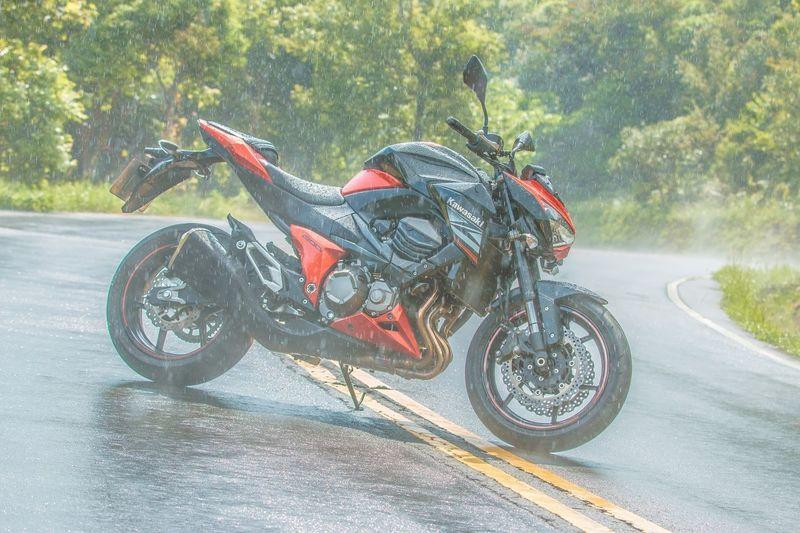 原來我只是傀儡 Kawasaki Kawasaki Z800 Welcome To My World Motorcycles Racing Bike