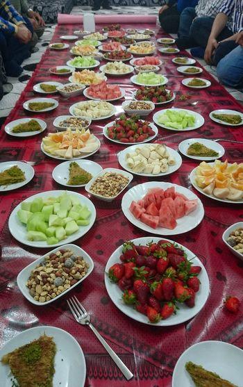 Aşiret yemeği sonrası, küçük bir meyve tabağı :) Meyvetabagi Fruit Fruits Tasty😋 Yummy Tasty