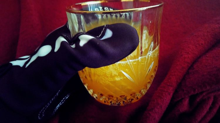 Homemade peach nectar spritzer43 Golden Moments Nonalcoholic Sparkling Water Peach Golden Showcase July Taking Photos Relaxing Eye4photography  Paint The Town Yellow Drink Beverage Peach Nectar Black Gloves Gloves Bubbles Bubbly Red Burgundy