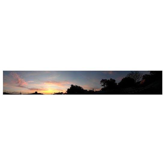"""Vive el momento: todo lo demás es incierto."" 🗾 Sky Clouds Fabskyshots Skylovers Bluesky Cloudstagram Beautiful Cloudporn Skyporn Air Blue White Ic_skies Beauty Global_sky Skysnappers Skieshunter Igworldsky Thebestskyever Iskyhub Cloudwhisperers Photowall_sky Sky_captures Naturegram Skylines skyview instadaily horizon amazing evocachiapas"