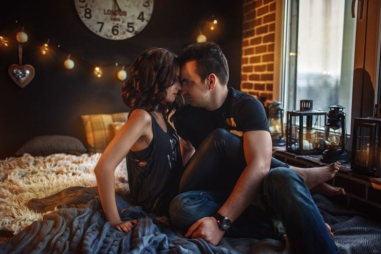 Two People Heterosexual Couple Love Romance Couple - Relationship Togetherness Young Adult Dating Date Night - Romance Young Couple Boyfriend Flirting Young Women Night Sitting Men Bonding Lifestyles Girlfriend Leisure Activity