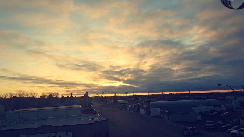 Somedays the view from my apartment is just breath taking 🤗🌅💕 .. Gorgeousviews Loveit♥ Landscape Saskatchewan Cloudscape Sunset_collection Soprettty ♡
