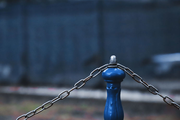 Focus On Foreground Metal No People Day Safety Close-up Fence Chain Boundary Outdoors Barrier Nature Security Protection Selective Focus Connection Architecture Water Blue Chainlink Fence