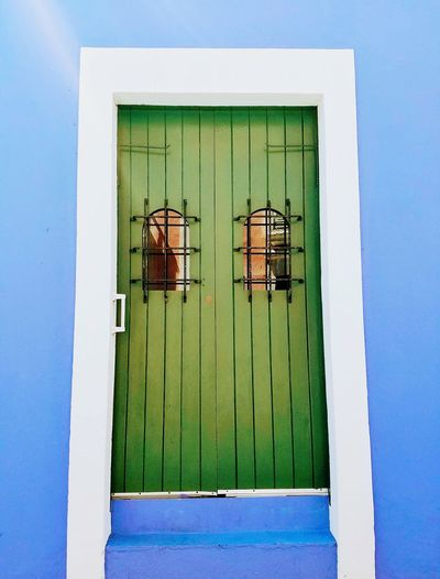 Building Exterior Minimalist Architecture Minimalism San Juan PR Old-fashioned Door Entrance Light And Shadow Multi Colored Still Life Antique Door Green Door Simply Beautiful Simplicity Color Blockıng Center Of Attention The Graphic City