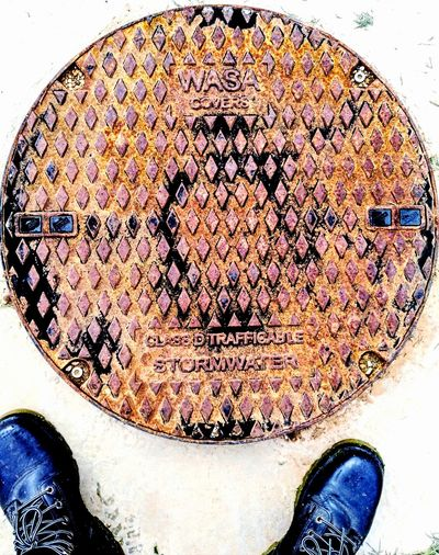 Shoe Selfies Circular Manholes Circle Round My Feet Shoe Selfie Shoe Close-up ManholeCovers Metal Plate Steelplate Manhole Cover Manhole Covers Around The World Manhole Covers Manhole Cover Steel DiamondShapes DiamondPattern Diamond Shape Pattern Diamond Patterns Diamond Pattern Diamond Shapes Steel Steel Plates Sewage Lids Footwear Human Foot Human Feet Pattern Manhole