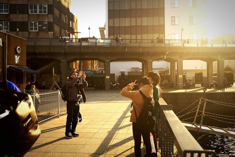 ハイ!チィ〜〜ズ♪?? EyeEm Tokyo Meetup 7 People Watching Snapshot Taking Photos Cityscapes Cityscape Urban Landscape Enjoying Life