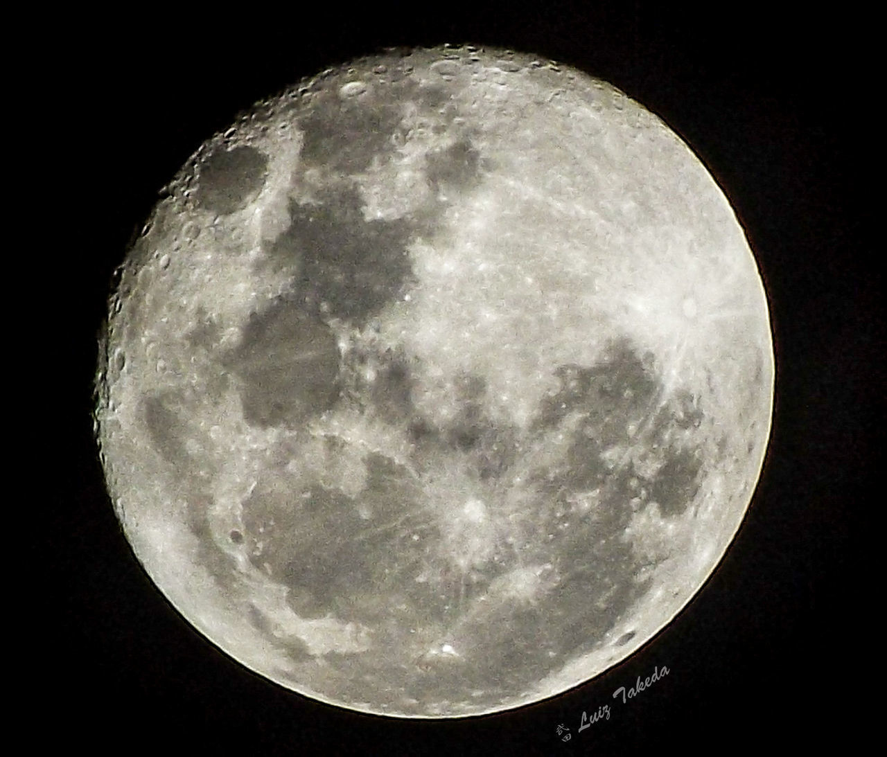moon, night, full moon, astronomy, moon surface, planetary moon, circle, beauty in nature, nature, tranquility, moonlight, low angle view, discovery, scenics, no people, space exploration, close-up, sky, outdoors, half moon, space, clear sky