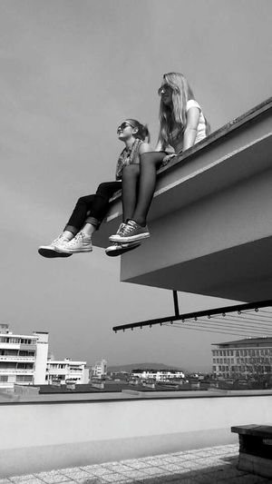 Friends ♥ People Watching Enjoying The Sun Sisters♡ found this roof today. Had a lot of fun being there.