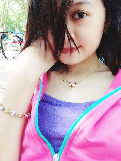 Lady in pinkk ? Pink Khodi♡