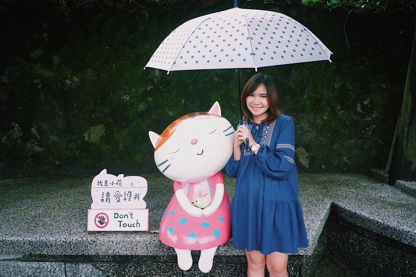 Raining day Cat Umbrella Happy People Taiwan Travel Aroundtheworld Cat Village EyeEm Selects Umbrella One Person Child Childhood Holding Protection Front View Three Quarter Length Girls Day Nature Real People Females Clothing Women Standing Rain Innocence Outdoors