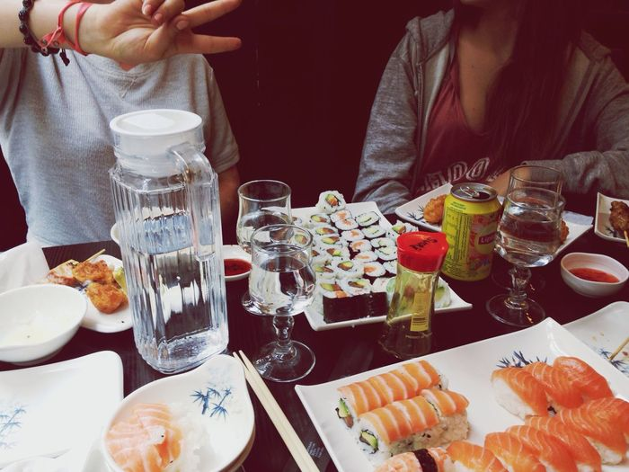 The rituel Sushi Japanese Food Friends ♥ Eating