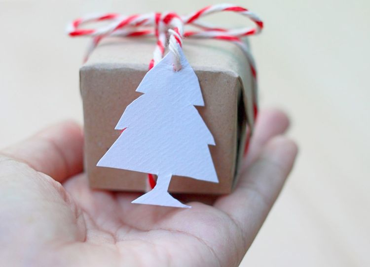 Receive a little box of christmas gift with a paper tag card christmas tree shape Season Of Giving Receiving Receive Hand Gift Box Little Christmas Tree Paper Hand DIY D.I.Y Handmade Handcrafted Creative Unique Creatively New Year Cover Give Giving Simple SIMPLY