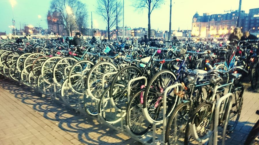 Holland Holland❤ öko Green Movement Klimotion Klimawandel Netherlands Netherlands ❤ Netherlands <3 Dutch Dutch Cities City Co2 Amsterdam Centraal Station Centraal Amsterdam Centraal Bike Bikes Bycicle Bycicles Urban Urban Life
