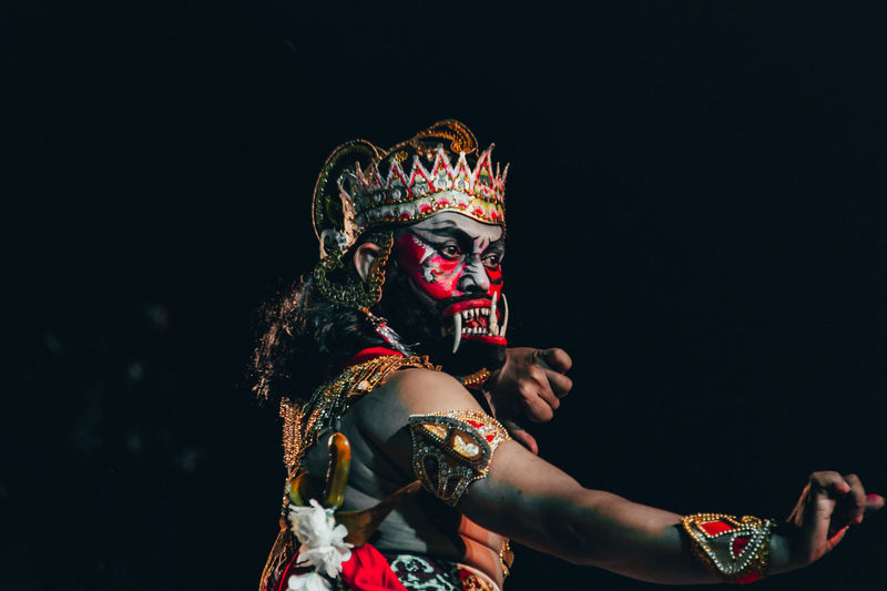 Indonesia traditional dancer Dancer INDONESIA Indonesiaculture  #traditional #photography #visitindonesia #baliisland #bali #indonesia #stagephotography