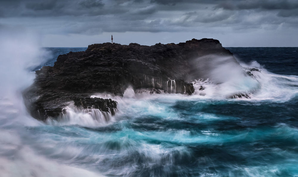 wild winds whip Kiama Winter Dramatic Storm Weather Winter Ocean Waves Long Exposure Travel Destinations Australia Blue Grey Island Sea Wave Water Beach Nature Motion Beauty In Nature Power In Nature Scenics Horizon Over Water No People Day Outdoors Sky