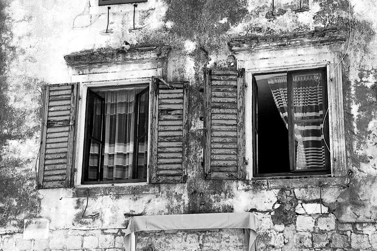 Open windows Mediterranean Lifestyle Mediterranean Architecture Stone Walls Black And White Photography Black And White Architecture Open Windows Open Shutters Shutters 3XPUnity Taking Photos Close-up Architectural Detail Architecture And Art Façade Window Architecture Building Exterior Built Structure Weathered Peeled Peeling Off Wall
