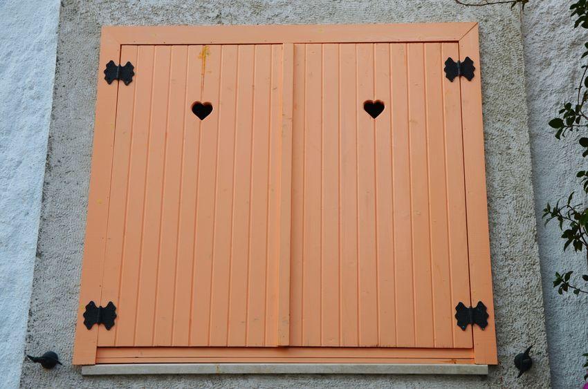Window Windows Heart Hearts Decoration Orange Orange Color Wood Wood - Material Shapes Art