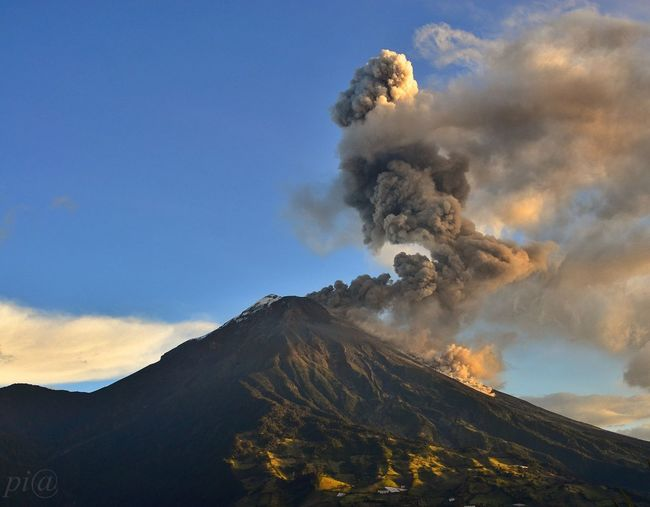 Smoke emitting from tungurahua volcano against sky